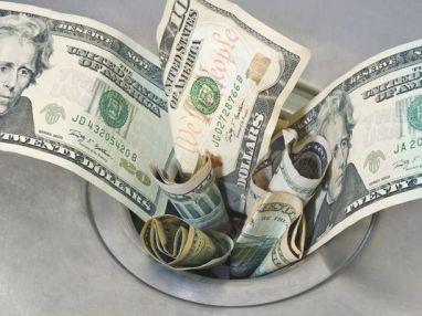 635654045846942990-moneydowndrain